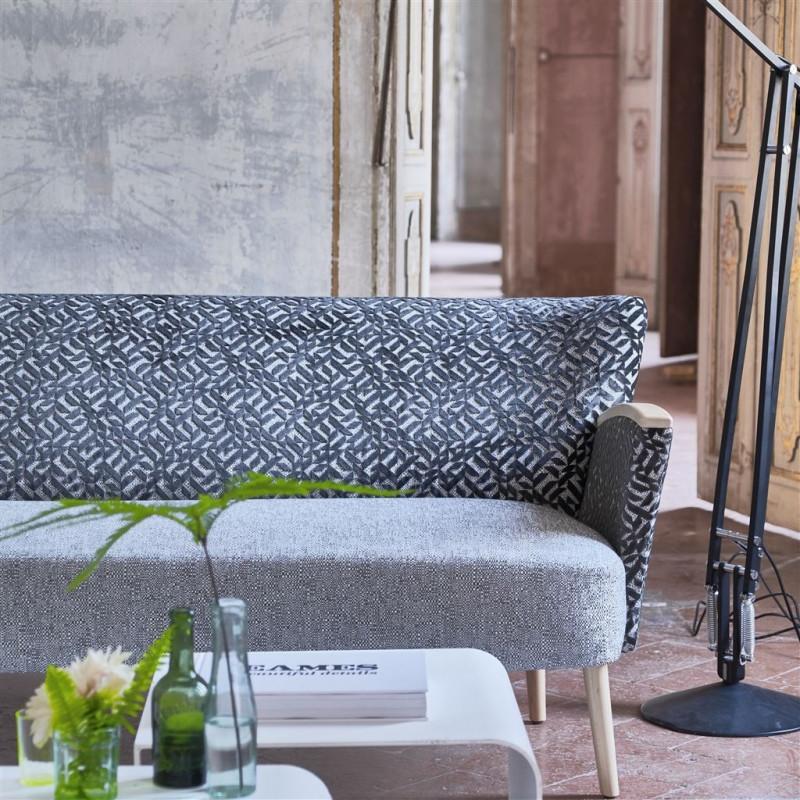 Tela Pahari de estilo Flores para Cortinas y Decoración de Designers Guild