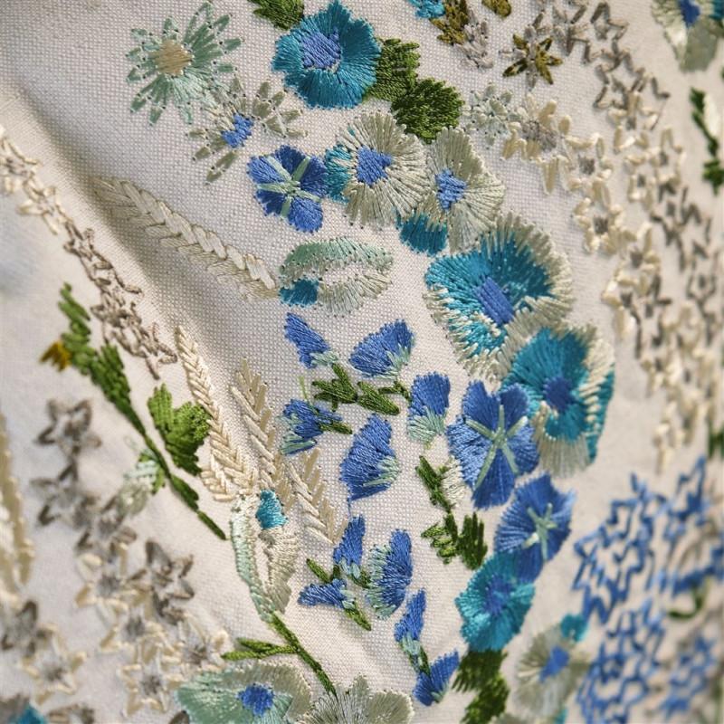 Cojines Ficara Cushion de la marca Zinc de estilo Geométrico